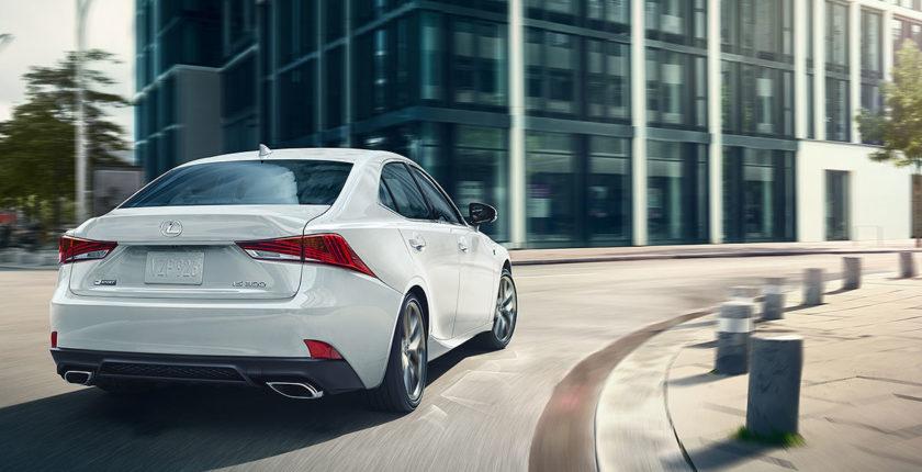 Lexus-IS-300-shown-in-ultra-white-gallery-overlay-1204x677-LEX-ISG-MY17-0047-02