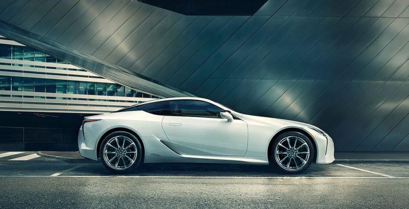 Lexus-LCh-gallery-overlay-1204x677-LEX-LCH-MY18-0002-03_M75