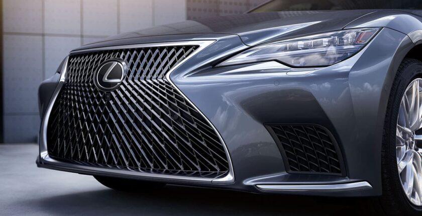 Lexus-LS-gallery-4-thumbnail-desktop-1440x811-LEX-LSG-MY21-0049_M75